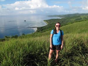 Cuozzo standing amidst beautiful Fiji greenery. (Photo credit: Alexis Mountcastle)