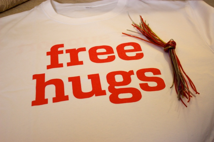 Free Hugs t-shirt and compliment bracelets