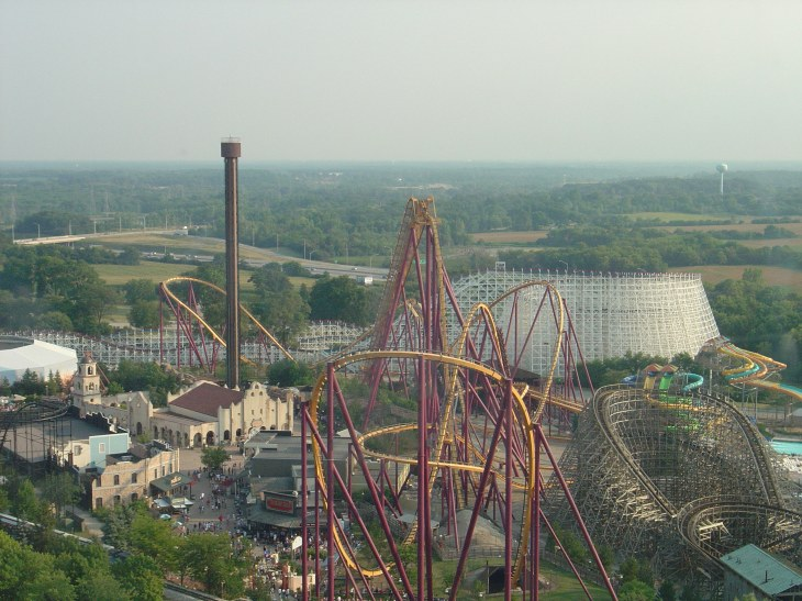 The Raging Bull Rollercoaster is a popular attraction at Six Flags Great America. Photo courtesy of Creative Commons.