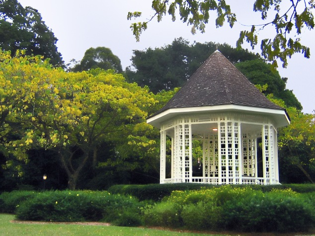 Bandstand,_Singapore_Botanic_Gardens_-_20060805