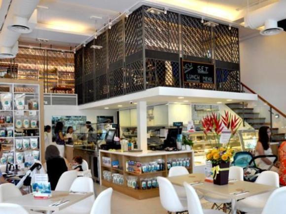 the-living-cafe-singapore