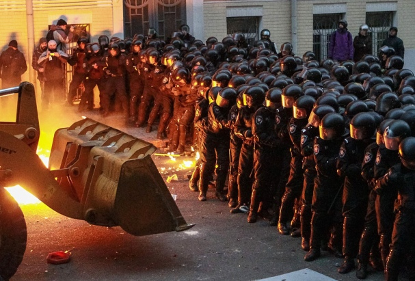 Ukrainian riot police during the revolution - Creative Commons License