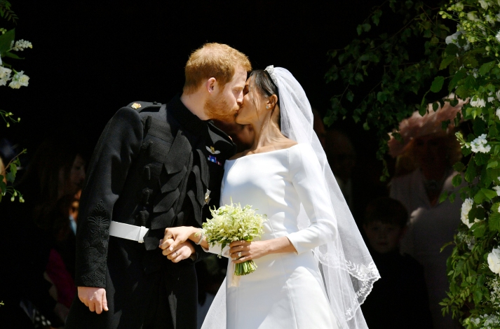 royal-wedding-2018-meghan-markle-prince-harry-kiss-wedding.jpg