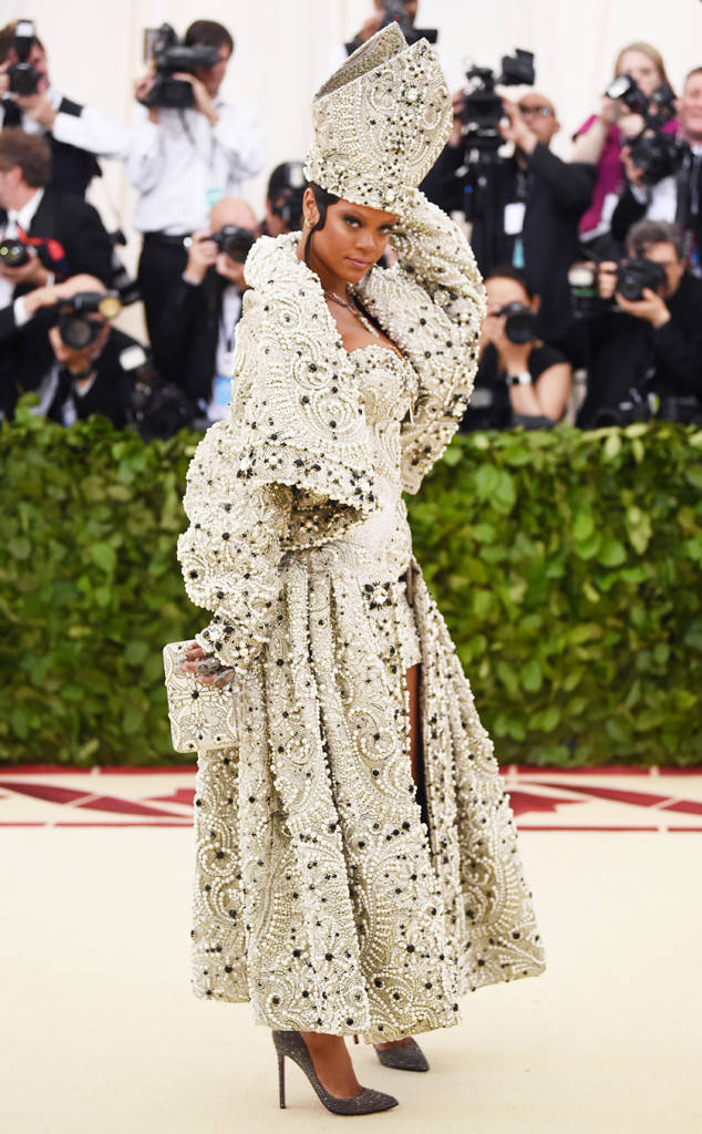 rs_634x1024-180507161238-634-Rihanna-Best-Dressed-Met-Gala