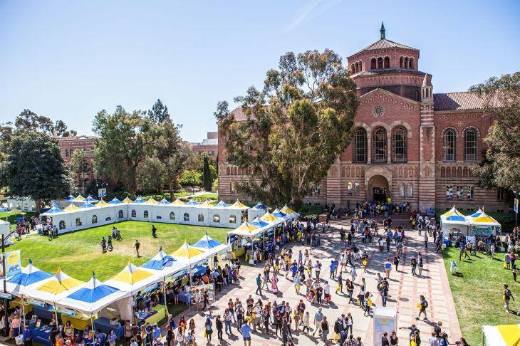UCLA_BruinDay2017PowellLibrary_3b24b13e-0df0-44eb-9fc0-c18a9eca7955-prv.jpg